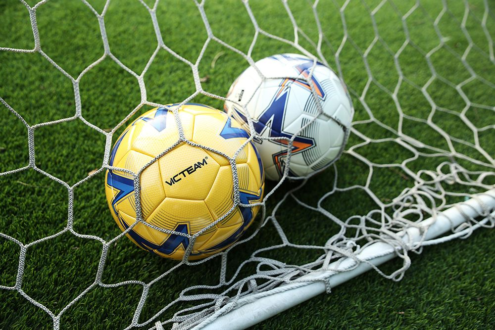 What's the Difference Between a PU, TPU and PVC Football (Soccer)?